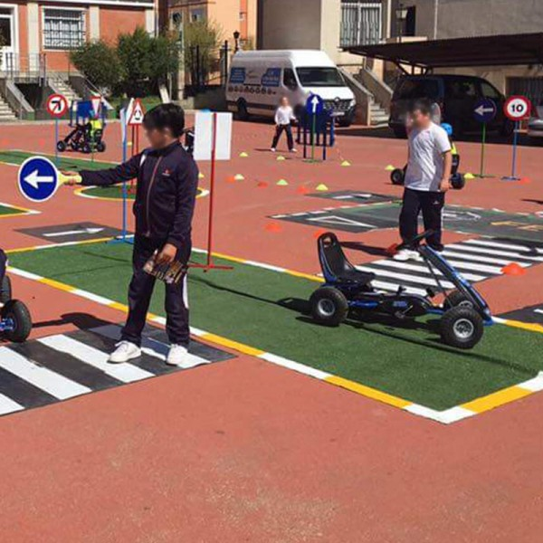 Circuito Vial : Señal para educación vial sentido de giro en rotonda