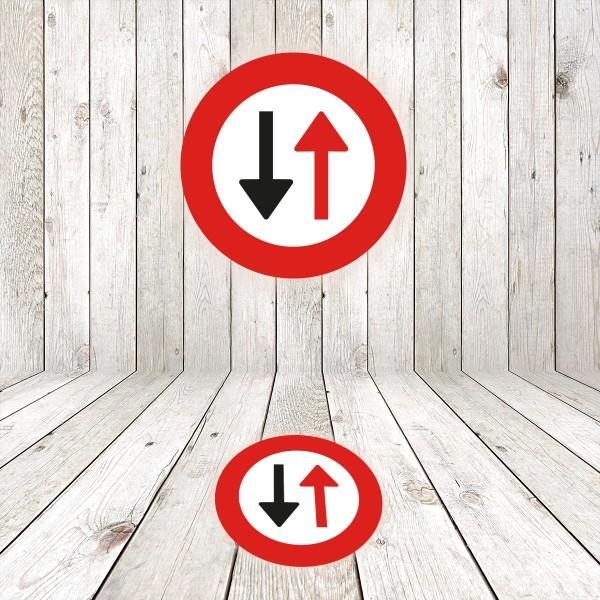 Vinilo señal de circulación R5 Prioridad al sentido contrario