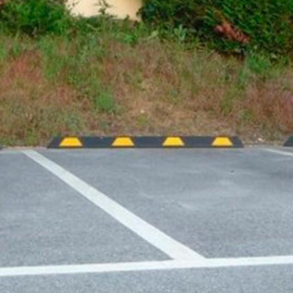 Topes aparcamientos